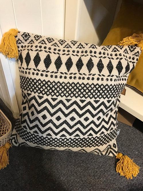 Sass & Belle cushion