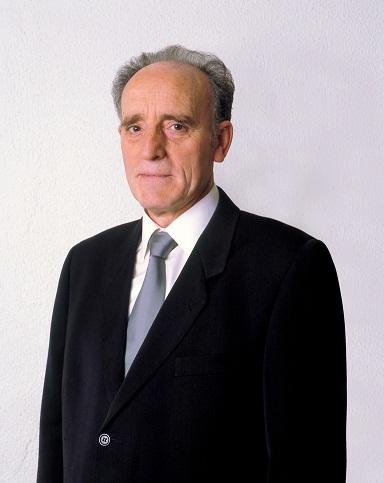 Luis Elizalde (1940 - )