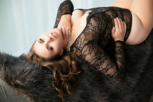 Woman in black lingerie. Wisconsin Minnesota Boudoir