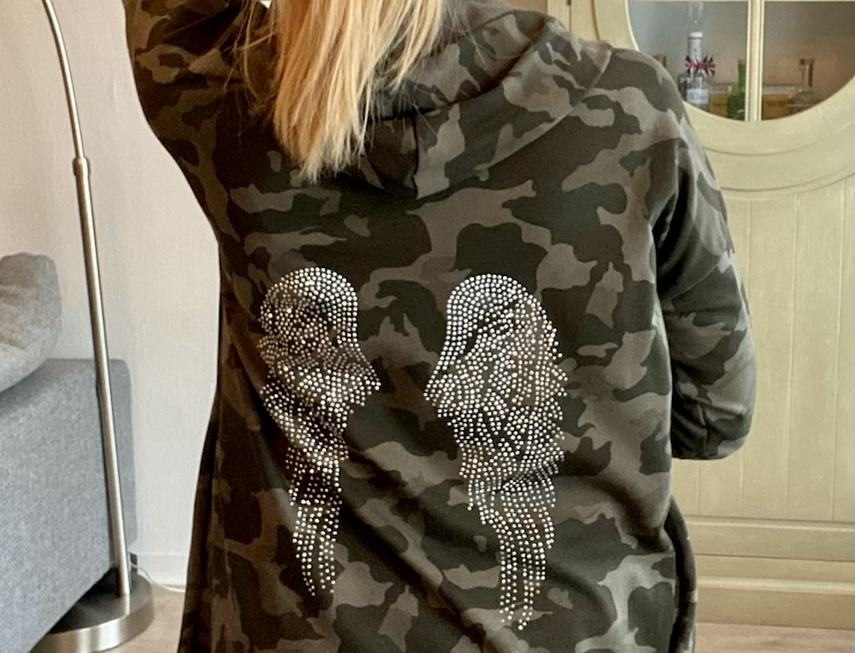 Lange gilet camouflage met vleugels