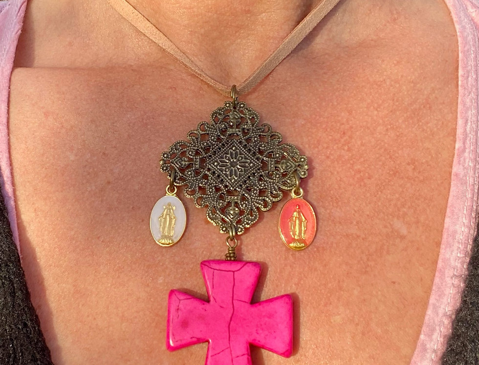 Choker SIG DE TANA gekleurde kruis