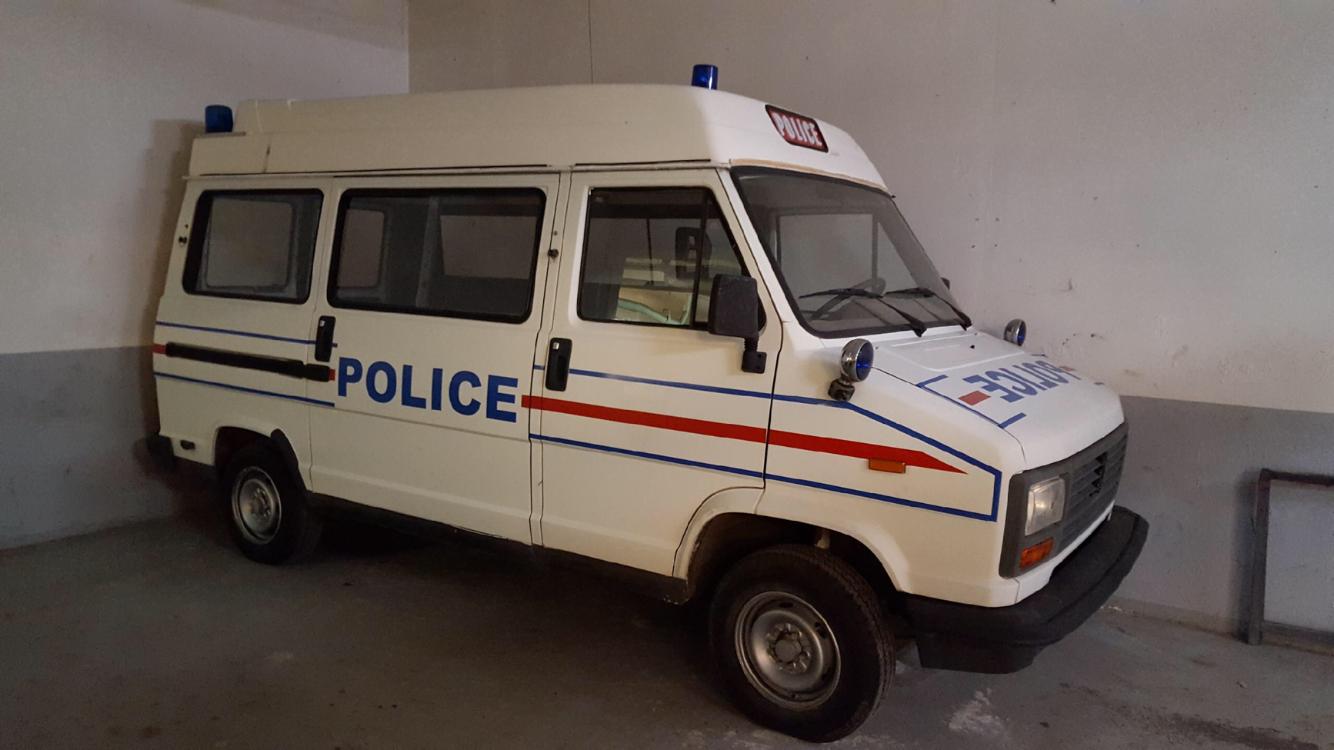 PEUGEOT C25 Police profil D porte latérale