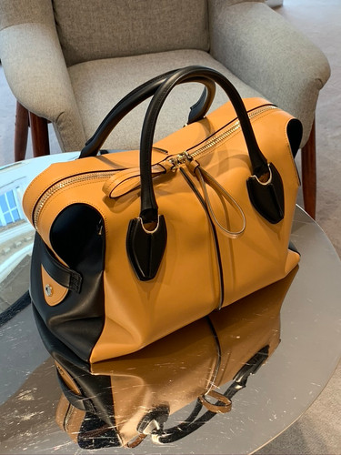 Boutique luxe Tods.jpeg