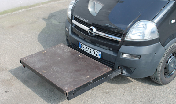 Voiture travelling plateau MOVANO + plat