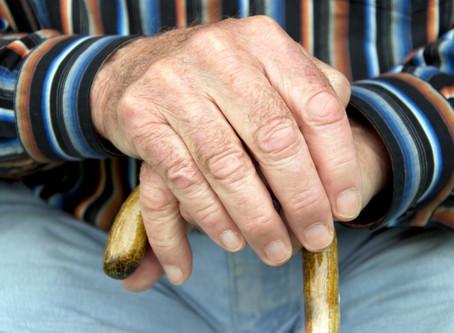 Justiça decide: É devido um adicional de 25% a aposentados que necessitam de cuidador.