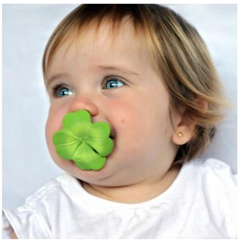 Mini jouet de dentition en latex Eli le trèfle Chewy to go Oli &