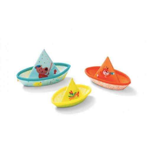 3 bateaux flottants Lilliputiens