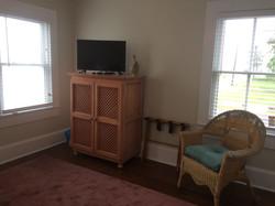 front bedroom tv