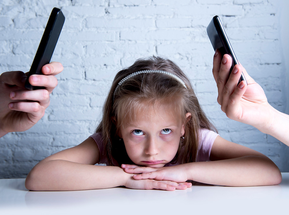 Kids feel ignored due to parents' excessive mobile phone use