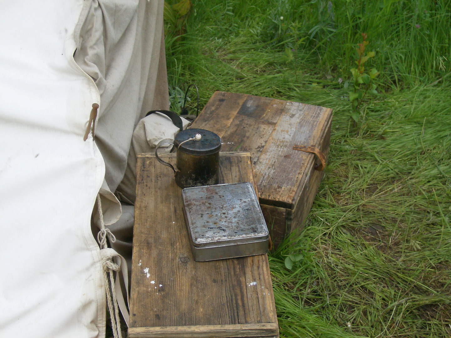PPR 2010 Wieppe Boxes and Tin Cup