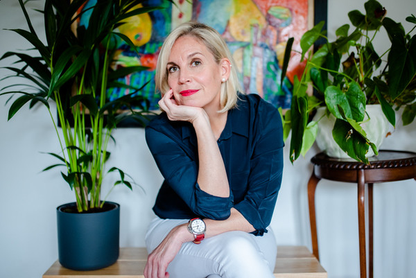 female lifestyle portrait headshot with