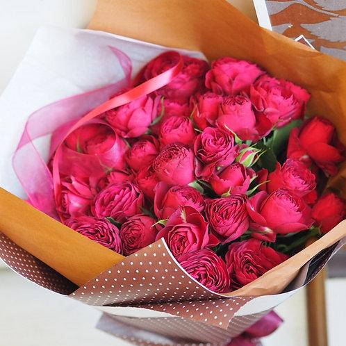 """Кустовые пионовидные розы """"Рубиновые"""""""