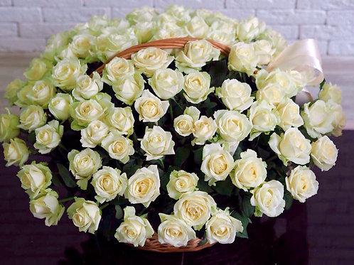 Большая корзина со 101 розой