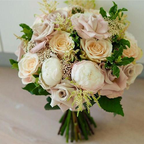 Букет невесты пудровый