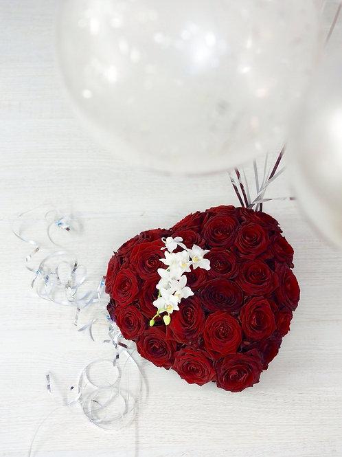 """Сердце из роз """"Моя Валентинка"""" (Be My Valentin)"""