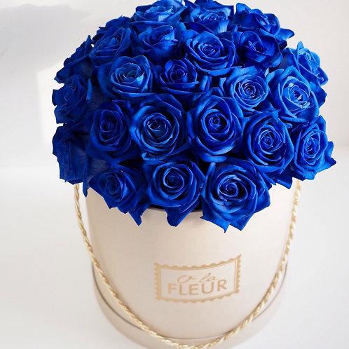 Синие розы в цилиндре