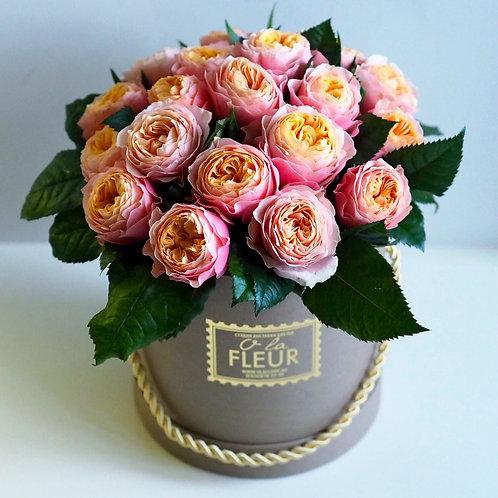 Средний цилиндр с пионовидными розами