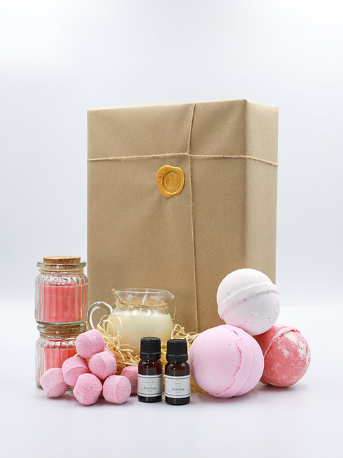 The Pink Fruits Brighton Soap Bath Bomb Gift Set
