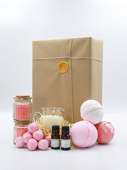 The Pink Fruits Brighton Soap Bath Bomb Gift Set