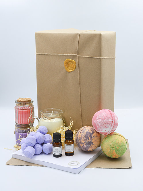 Scents of the Summer Brighton Soap Bath Bomb  Gift Set With Diary