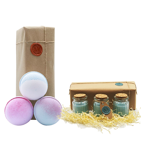 Blue Sugar, Candy Floss, Pink Sugar bath bombs & winter berry candles gift set