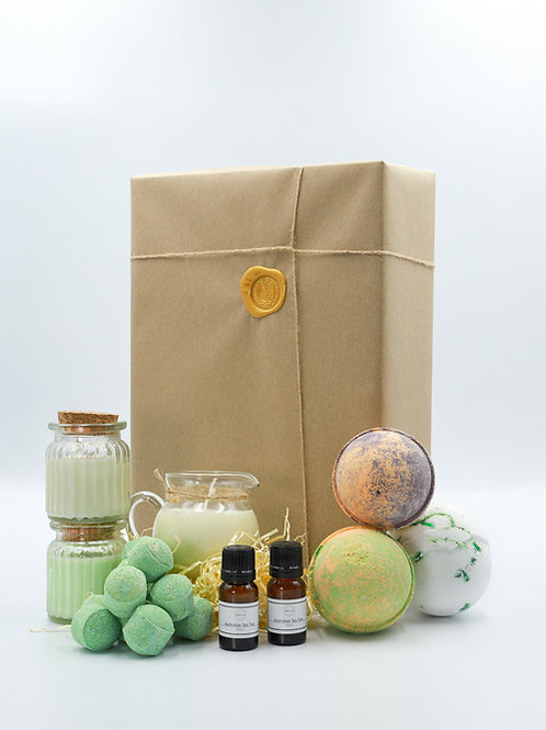 The Earthy Green Brighton Soap Bath Bomb Gift Set