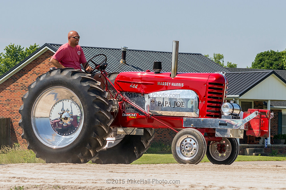 Mike Hall Tractor Pull 06-06-15 04 small.jpg