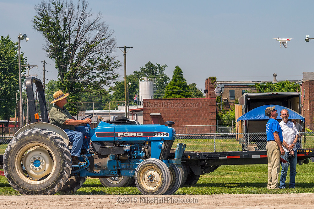 Mike Hall Tractor Pull 06-06-15 03 small.jpg