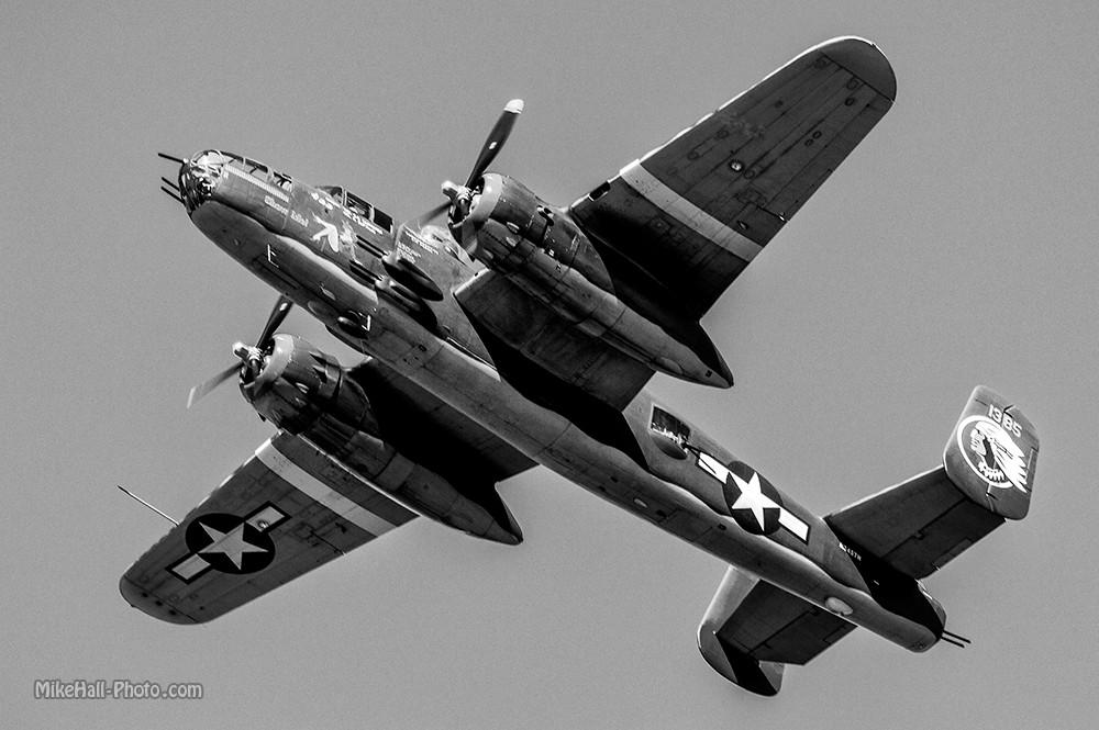 Mike Hall Owensboro Airshow 10-04-14 05 B&W.jpg