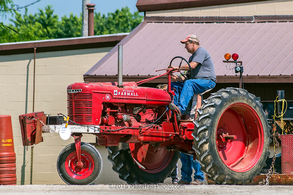 Mike Hall Tractor Pull 06-06-15 05 small.jpg