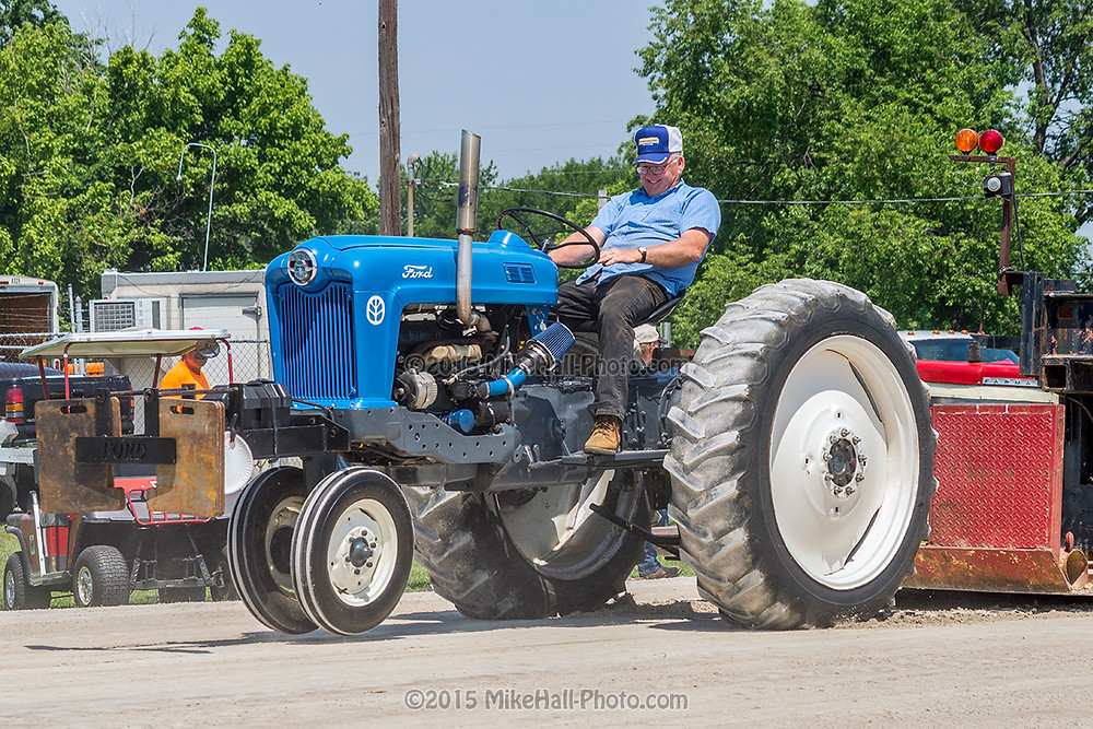 Mike Hall Tractor Pull 06-06-15 01 small.jpg