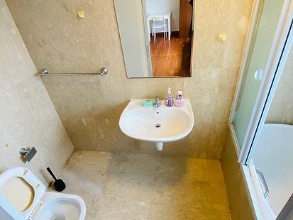 64公寓-主人间洗手间.jpeg