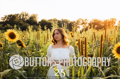 Riley Pfeifer Sunflower watermarked-25.jpg