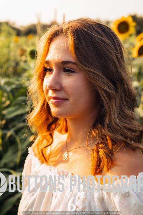 Riley Pfeifer Sunflower watermarked-6.jpg