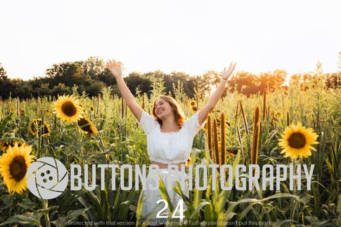 Riley Pfeifer Sunflower watermarked-24.jpg