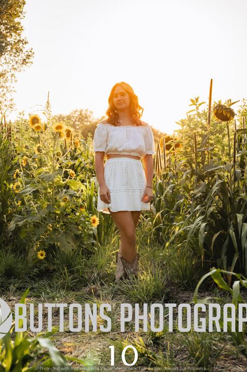 Riley Pfeifer Sunflower watermarked-10.jpg