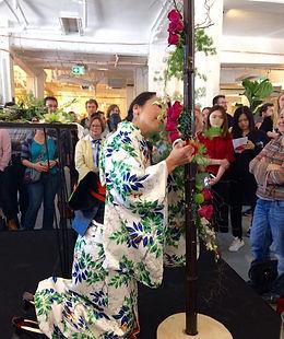 Florist Mikiko flower demonstration