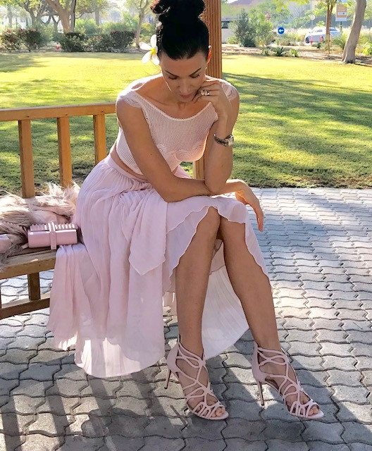 henrieta duffner, henrieta, duffner, fashion, designer, dubai, garden, dress. victoria secret, estelle, dress, long dress,skirt, plisse, dress, pink dress, green, white, brand,