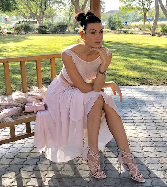 henrieta duffner, Henrieta, duffner, fashion, designer, dubai, garden, dress. victoria secret, estelle, dress, long dress, caro dress, country dress, green, white, max studio, brand, london