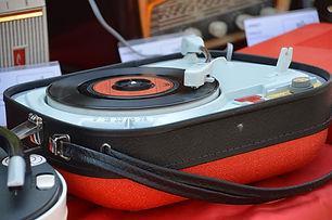 Photo of retro vintage turn table 45 rpm.jpg