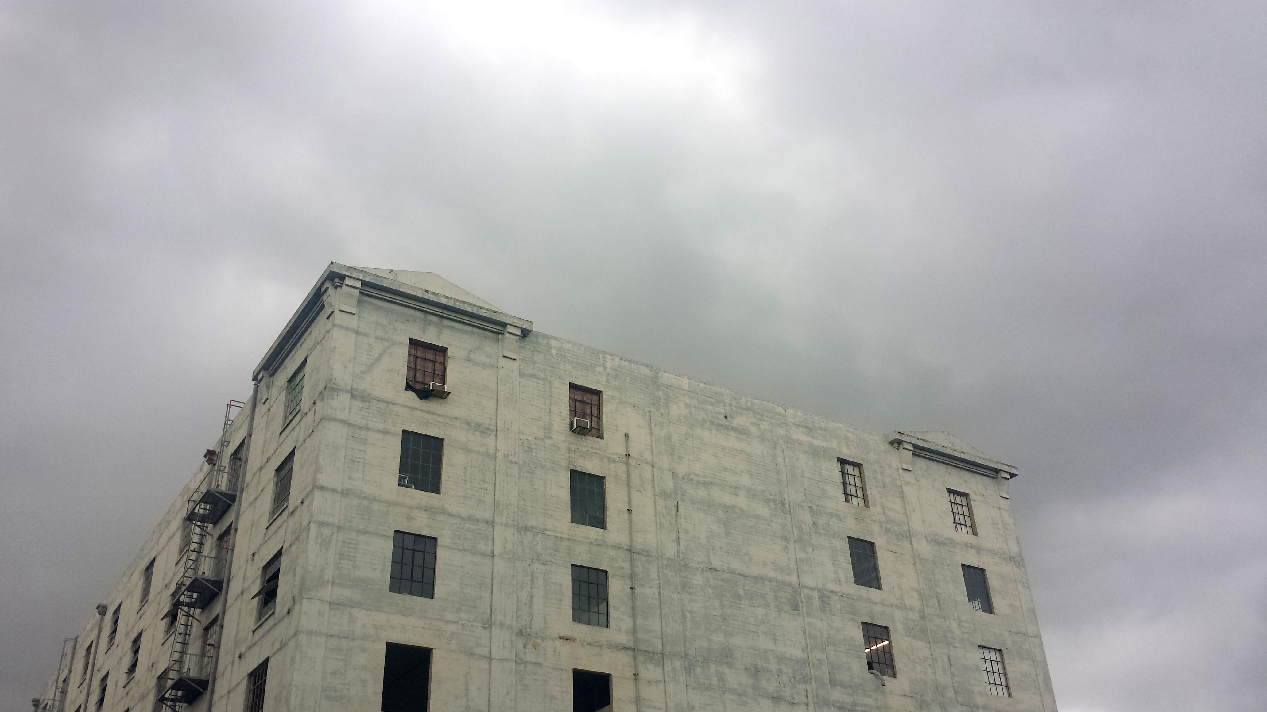 20171101_154848. Grey Sky Grey Building