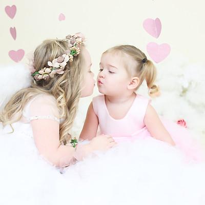 Emma & Teighan- Cupid & Kisses Mini Session
