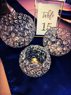 Set of 3 Crystal globes in Gold