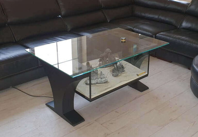 BLACK TABLE A