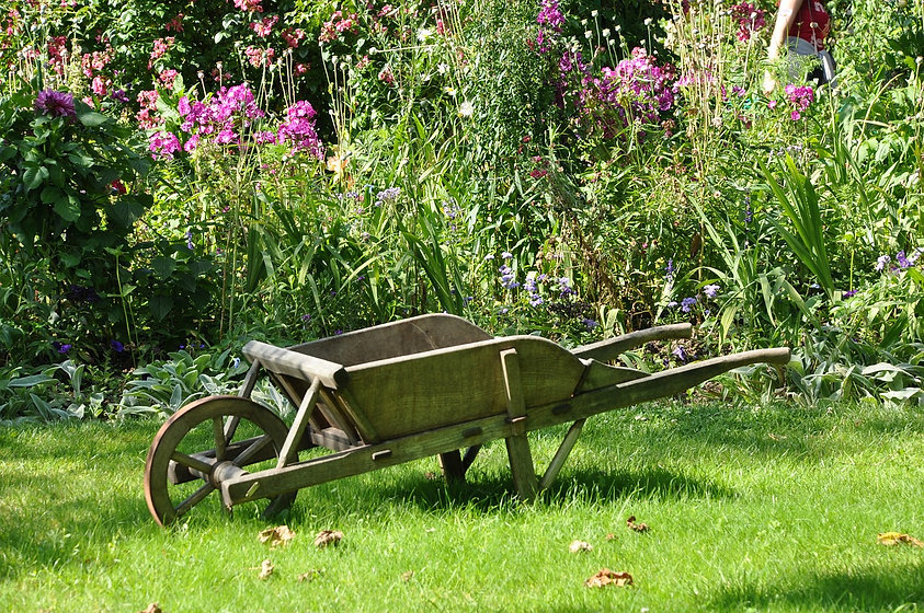 wheelbarrow-1232408_1280.jpg