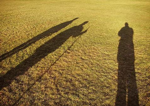shadows-640991_640.jpg