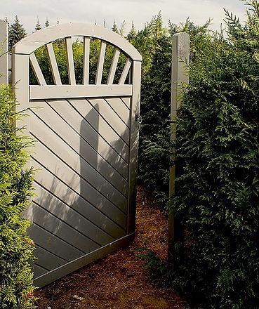the-door-928984_640.jpg