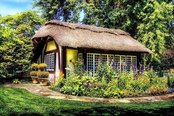 cottage-581080_1920.jpg