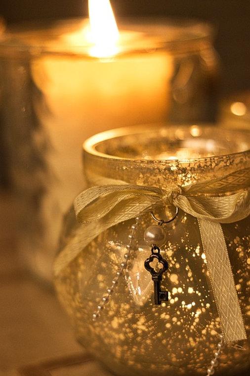 candle-3854101_640.jpg