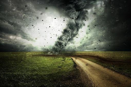 cyclone-2102397_640.jpg